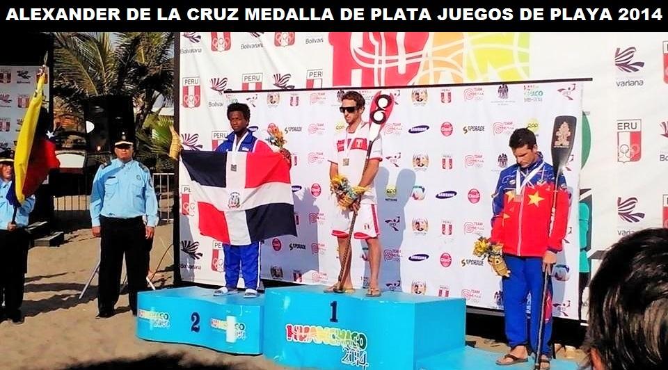 Alex de la Cruz medallista de plata en SUP RACE II Juegos Bolivarianos de Playa 2014 FEDOSURF
