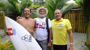 Karin Sierralta Adalvo Argolo y Nestor Puente ISA World Master Surfing Championship 2013 Ecuador Fedosurf