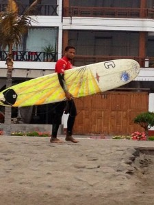 Angel Compres Heat Surf Peru Fedosurf