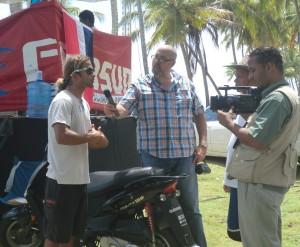 Jesmarin Puente entrevistado por Color Visión - Scotia Bay Surfing Championship Playa El Broke Nagua