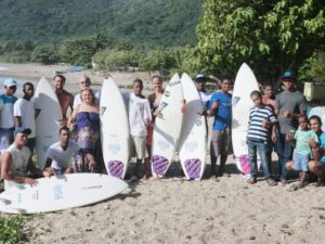 Share The Stoke Foundation y Fedosurf - Surf in La Cienaga Dominican Republic